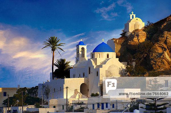 Der Hügelstadt Chora  Ios  Griechenland  Kykladen  Griechenland  Europa