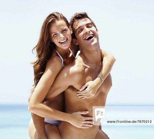 Attraktivität  Fröhlichkeit  Strand  Urlaub  Sommer  jung