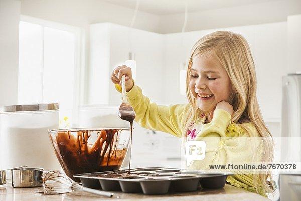 backen  backend  backt  5-9 Jahre  5 bis 9 Jahre  cupcake  Mädchen