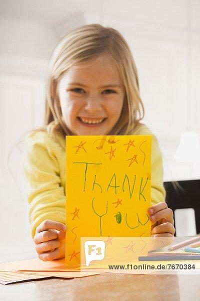 halten  Text  Zeichnung  5-9 Jahre  5 bis 9 Jahre  Mädchen