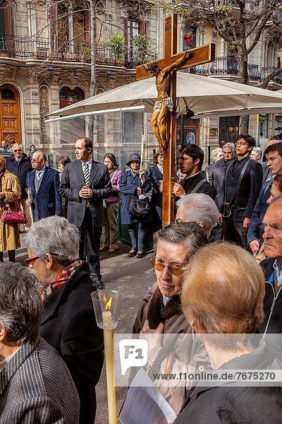 Kreuzweg Kirche Engel Barcelona Katalonien Karfreitag Stute Aufführung Spanien