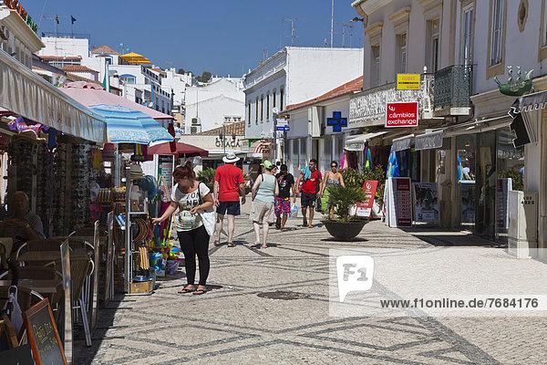 Europa Albufeira Algarve Portugal Einkaufsstraße
