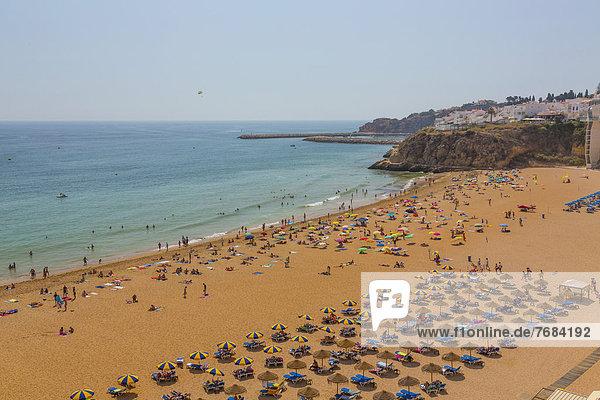 Strand  Praia do Penedo  Albufeira  Algarve  Portugal  Europa