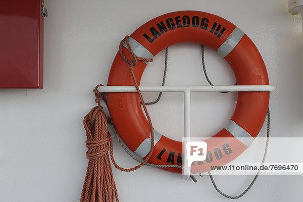 Rettungsring auf der Fähre zwischen Bensersiel und Langeoog