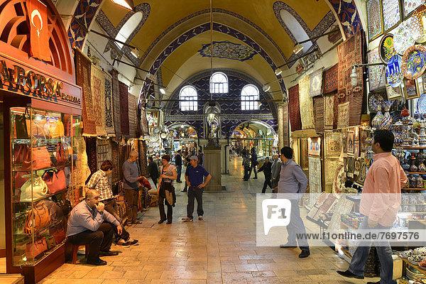 Hauptweg  Grand Bazaar  Großer gedeckter Basar  Kapali Carsi  Altstadt Beyazit