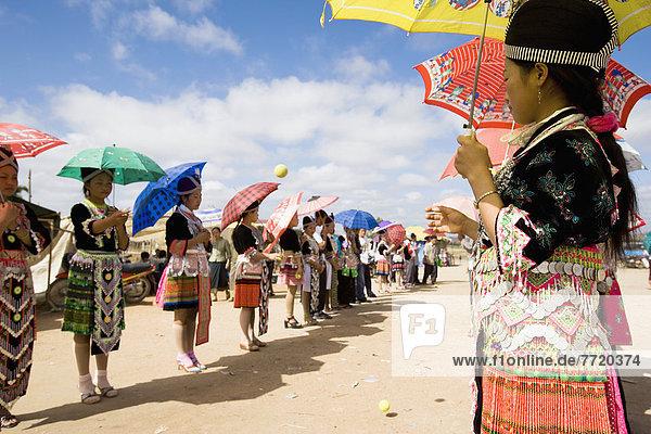 werfen  Tradition  flirten  Zeremonie  Mädchen  Festival  Kostüm - Faschingskostüm  Laos  neu  Tennis  Jahr