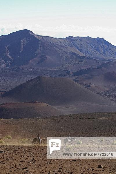 überqueren Boden Fußboden Fußböden fahren reiten - Pferd Krater Haleakala East Maui Volcano Hawaii Maui