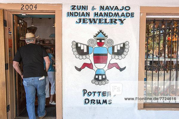 Vereinigte Staaten von Amerika  USA  Außenaufnahme  Stadt  Schmuck  Indianer  Laden  Albuquerque  Navajo  New Mexico  alt