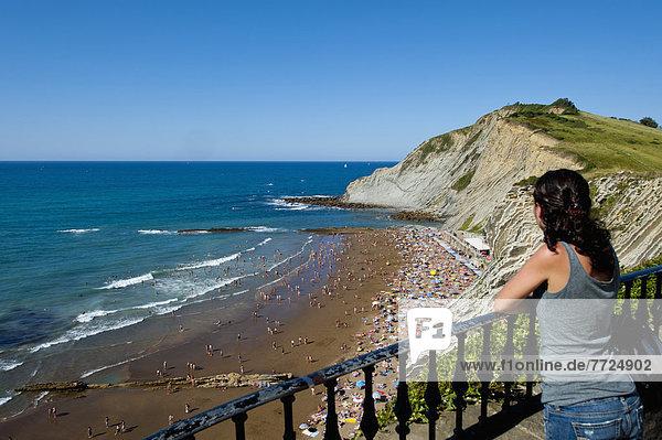 sehen  Strand  Ansicht  Mädchen  Spanien