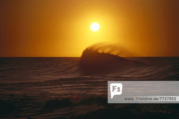 Sonnenuntergang Silhouette Aufstieg Sonnenstrahl Wasserwelle Welle