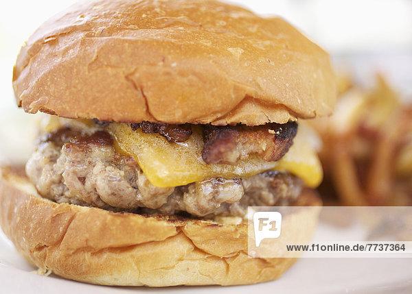 Käse  Hamburger  Schinkenspeck
