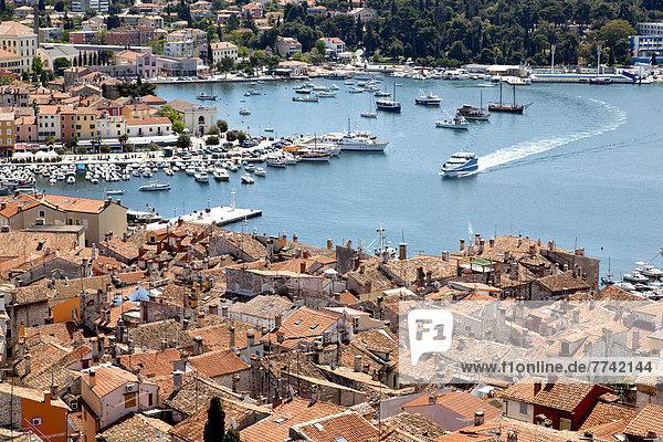 Europa über Stadt Geschichte Kirche Ansicht Glocke Kroatien Istrien Rovinj