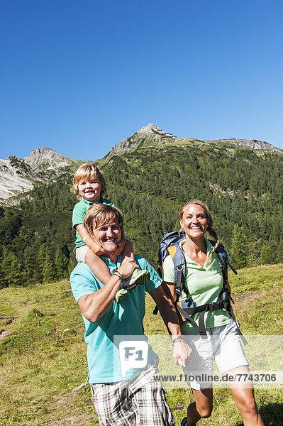 Österreich  Salzburg  Familienwandern am Altenmarkt Zauchensee