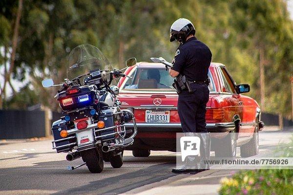 schreiben  Ende  Fahrschein  Kalifornien  Motorrad  Polizist  einstellen  Straßenverkehr