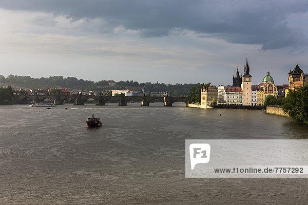 Regen Fluss Unwetter Moldau