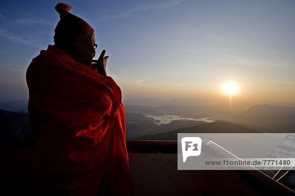 Berg  Berggipfel  Gipfel  Spitze  Spitzen  über  Sonnenaufgang  hoch  oben  Heiligkeit  Asien  Mönch  Sri Lanka