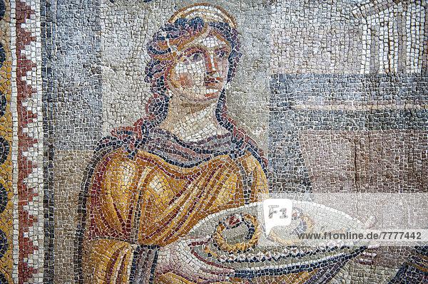 Mosaik der Chresis von Daphne oder Harbiye  4. Jh. vor Chr.  Hatay Museum für Archäologie