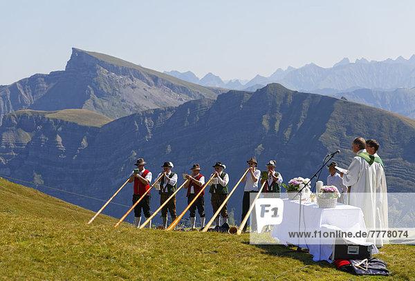 Bergmesse während Alphornbläsertreffen