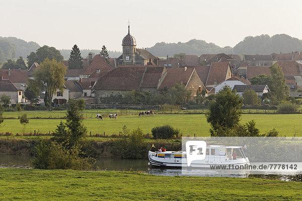Hausboot Penichette auf der Saône  Morgenstimmung bei Baulay  PK 380