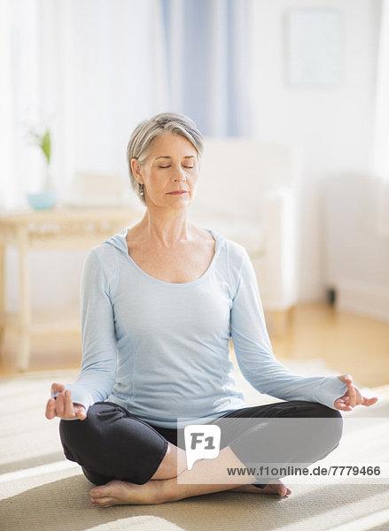 Portrait  Frau  Yoga