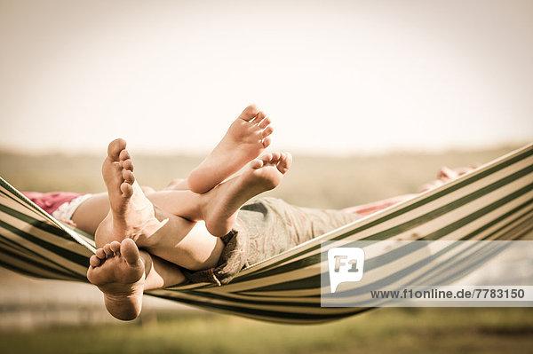 Außenaufnahme  Entspannung  Hängematte  Tochter  Mutter - Mensch  freie Natur