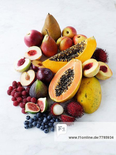 Vielfalt an frischen Früchten