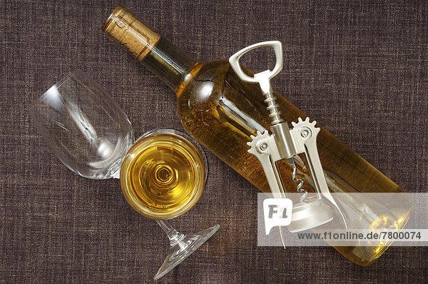 Wein  über  weiß  Ansicht  Flasche Wein ,über ,weiß ,Ansicht ,Flasche