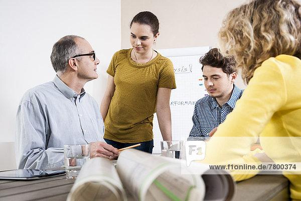 Mensch  Organisation  organisieren  sehen  Menschen  Geschäftsbesprechung  Besuch  Treffen  trifft  Business