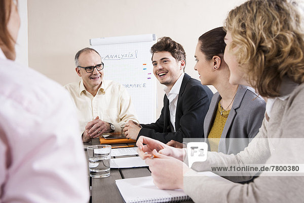 Geschäftsleute Meeting in Sitzungssaal