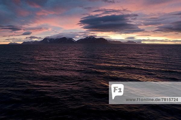 Sonnenuntergang am Isfjorden
