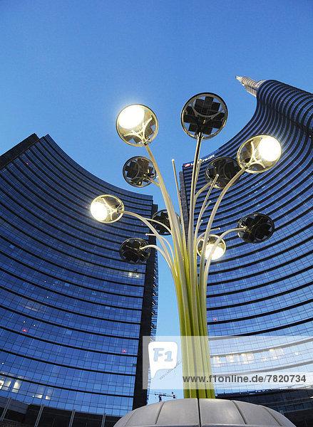 Italien,  Lombardei,  Mailand,  Porta Nuova Garibaldi Turm von Cesar Pelli,  Gae Aulenti Platz entworfen