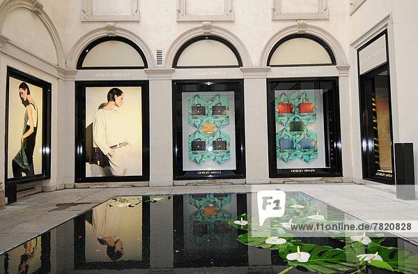 Italien  Lombardei  Mailand  Via Montenapoleone  Giorgio Armani Modegeschäft