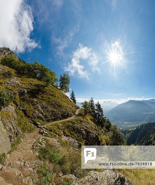 Trentino Südtirol  Europa  Berg  Landschaft  Hügel  Herbst  Italien  Meran