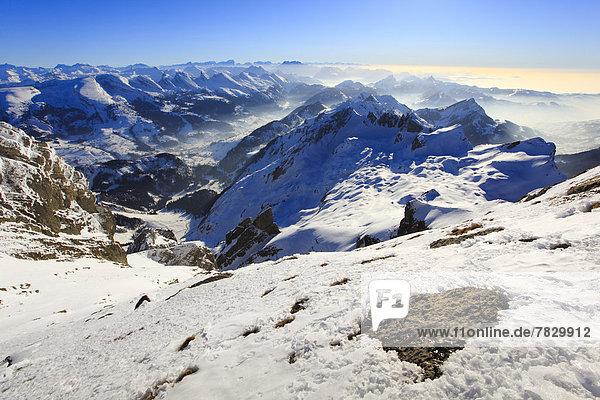Kälte  Panorama  Europa  Schneedecke  Berg  Winter  Himmel  Schnee  Alpen  blau  Ansicht  Sonnenlicht  Westalpen  Bergmassiv  schweizerisch  Schweiz