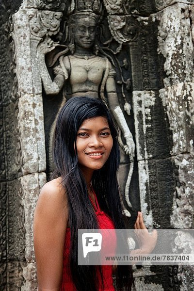 Pose  Schönheit  Skulptur  frontal  Mädchen  Kambodscha  Angkor