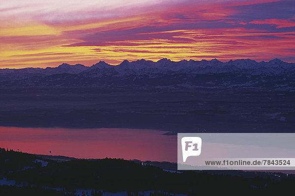 Neuenburger See  Lac de Neuchâtel  Ausblick vom Chasseron im Jura zum Alpenkamm Neuenburger See, Lac de Neuchâtel, Ausblick vom Chasseron im Jura zum Alpenkamm