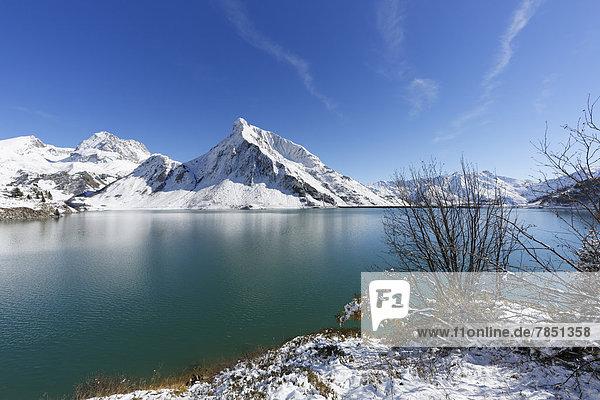 Österreich  Vorarlberg  Blick auf Spullersee  Goppelspitze oder Rohnspitze im Hintergrund