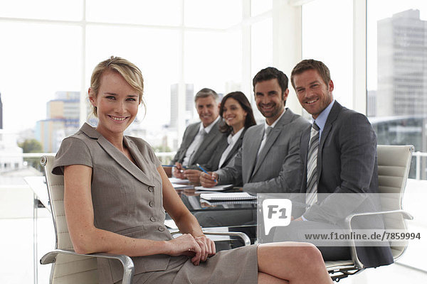Geschäftsfrau bei einem Treffen