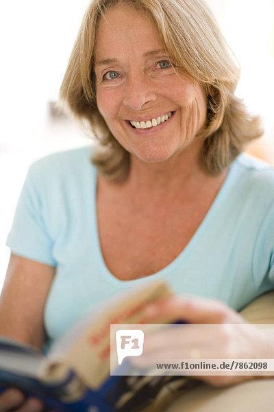 Senior Senioren Frau Fröhlichkeit