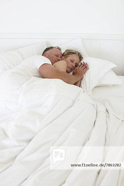 Paar schlafen