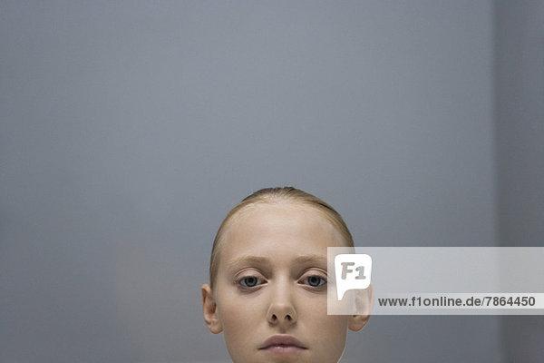 Junge Frau  ausgeschnittenes Porträt