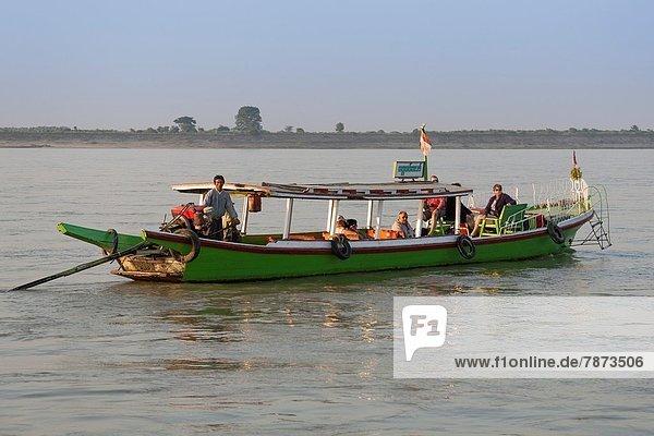 Tourist  Boot  Fluss  Myanmar