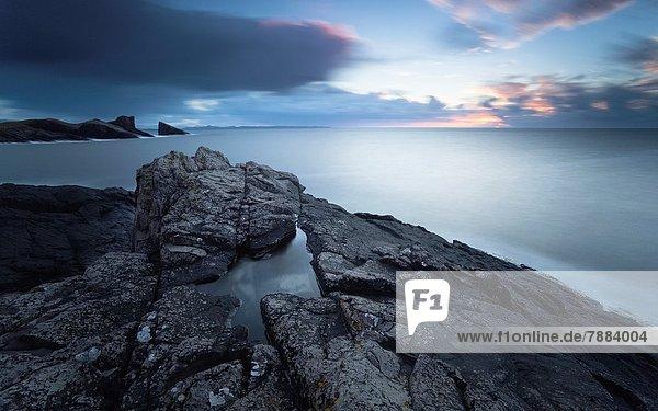 Felsbrocken  über  lang  langes  langer  lange  Trennung  Bucht  Highlands  schottisch  Sonne