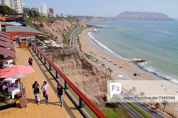 Lima  Hauptstadt  Einkaufszentrum  Frau  Mann  Junge - Person  Hispanier  Küste  kaufen  Ansicht  Terrasse  Pazifischer Ozean  Pazifik  Stiller Ozean  Großer Ozean  Peru