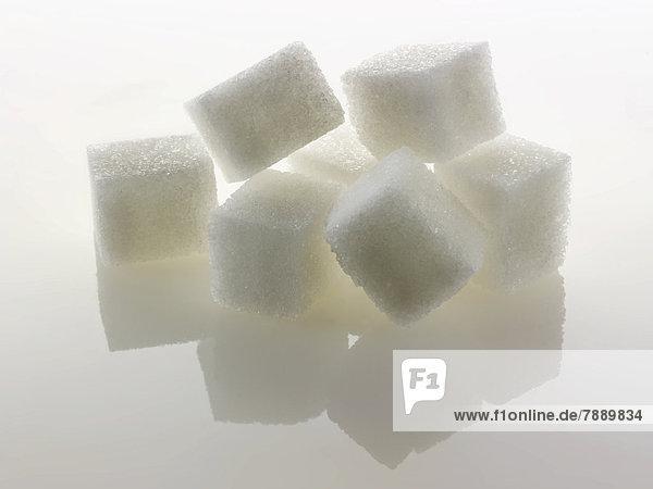Weiße Zuckerwürfel  Kristallzucker