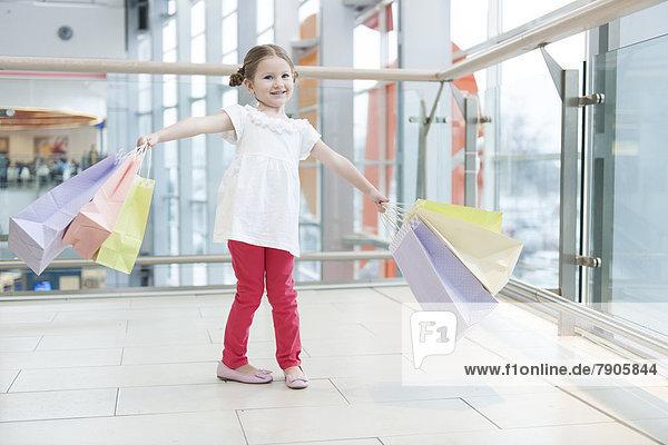 Papier  Tasche  kaufen  jung  Mädchen