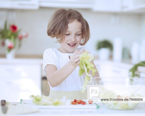 02 Position  Salat  jung  Mädchen 02 Position ,Salat ,jung ,Mädchen