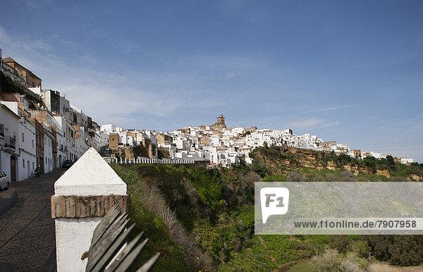 Spanien  Blick auf San Pedro Kirche und Altstadt