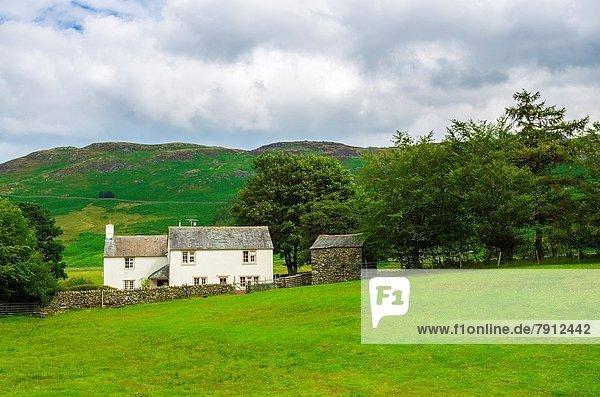 nahe fallen fallend fällt Bauernhof Hof Höfe See Cumbria Ortsteil England