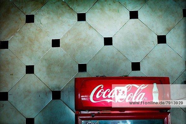 Kühlschrank Cola Design : Fez koks afrika fes fès kühlschrank age lizenzpflichtiges